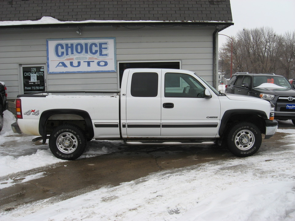 2000 Chevrolet Silverado 2500  - Choice Auto