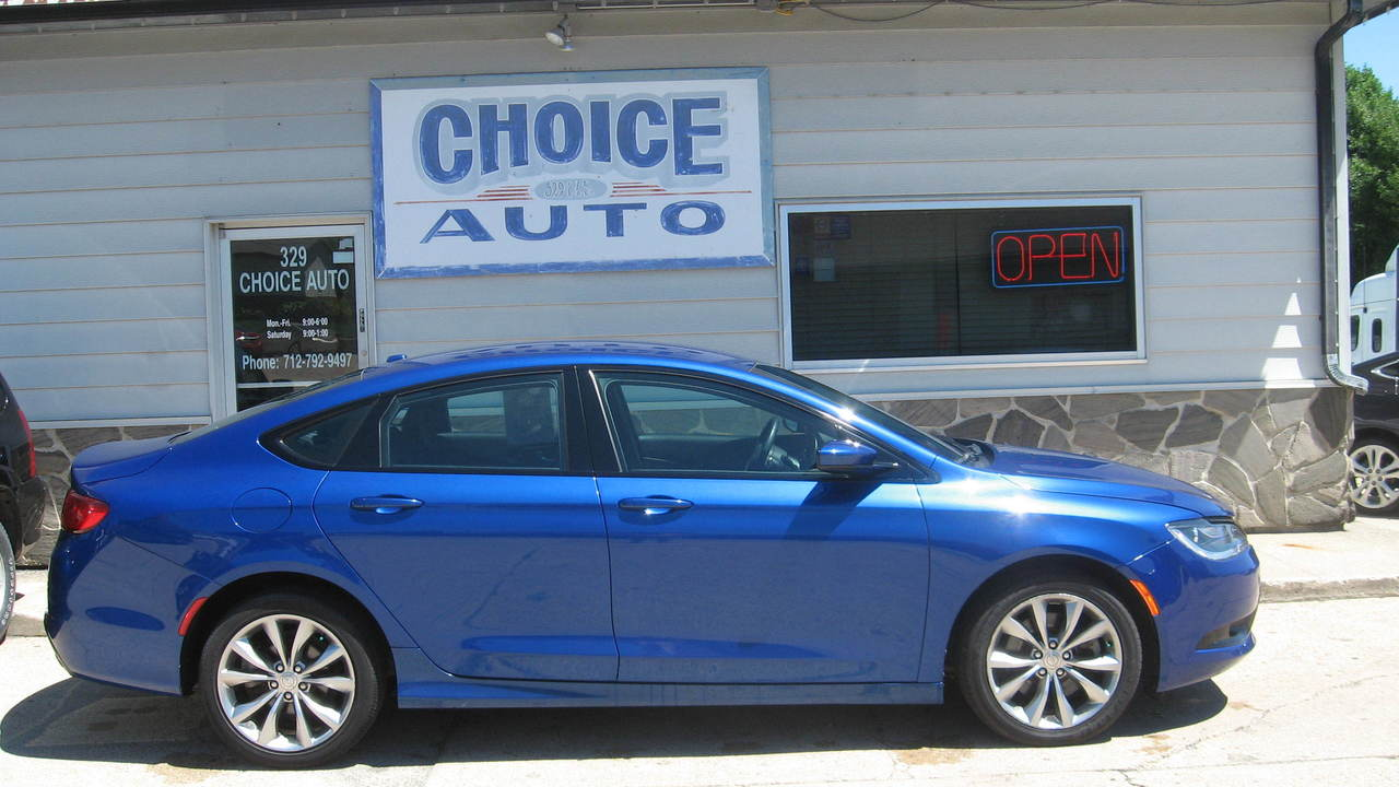 2016 Chrysler 200  - Choice Auto