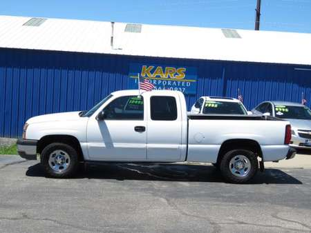 2004 Chevrolet Silverado 1500 4WD Extended Cab for Sale  - 401634P  - Kars Incorporated