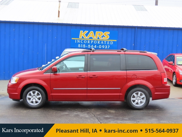 2010 Chrysler Town & Country  - Kars Incorporated