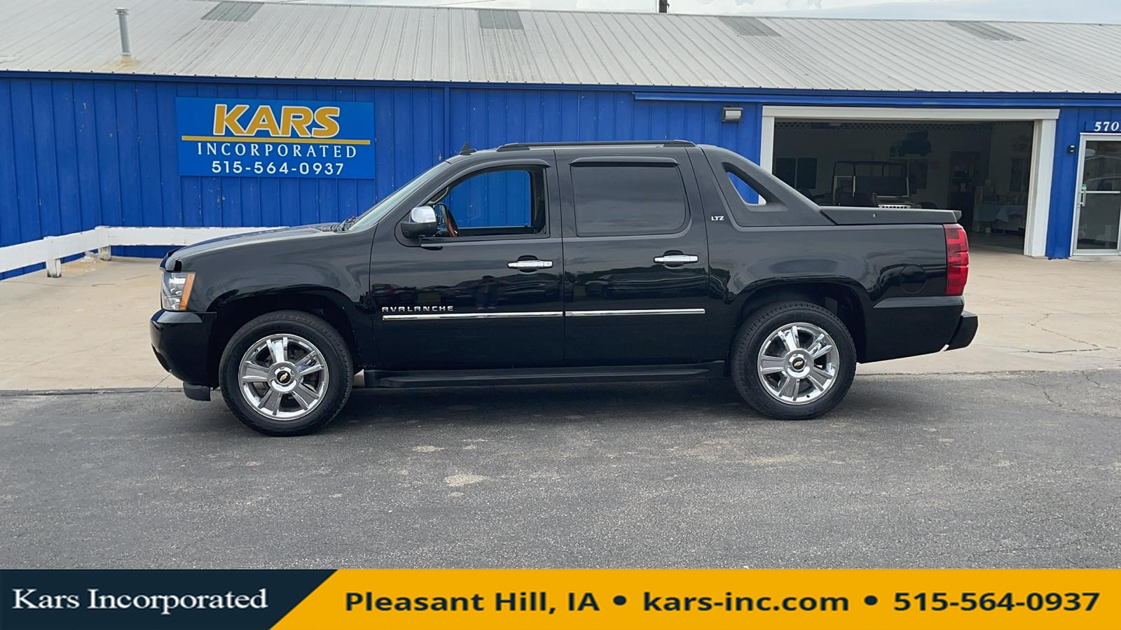 2010 Chevrolet Avalanche LTZ 4WD Crew Cab  - A28491P  - Kars Incorporated