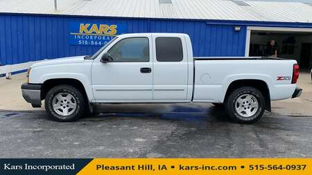 2005 Chevrolet Silverado 1500 Z71 4WD Extended Cab for Sale  - 539167P  - Kars Incorporated