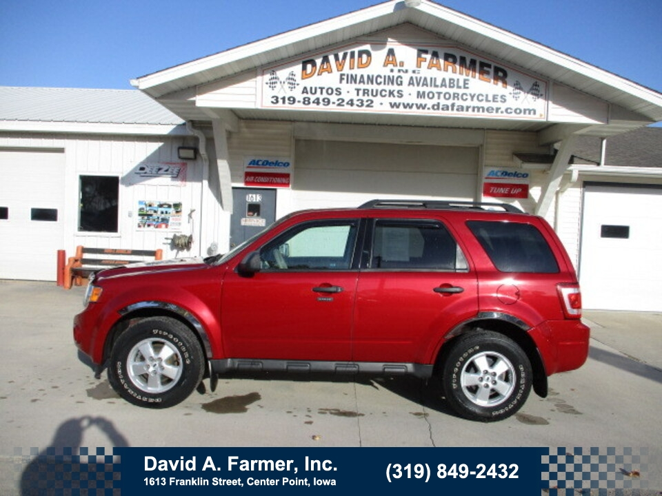2009 Ford Escape XLT 4 Door 4X4**1 Owner/Sunroof**  - 4802  - David A. Farmer, Inc.