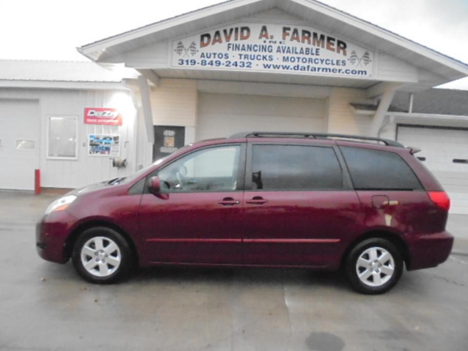 2008 Toyota Sienna  - David A. Farmer, Inc.