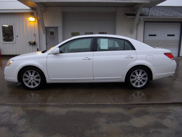 2005 Toyota Avalon Limited 4 Door Sedan