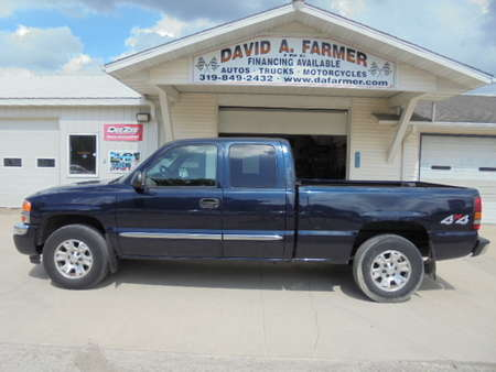 2006 GMC Sierra 1500 Pickup Extended Cab Short Bed SLE X-Cab 4X4 **3 Owner/Low Mileage** for Sale  - 4496  - David A. Farmer, Inc.