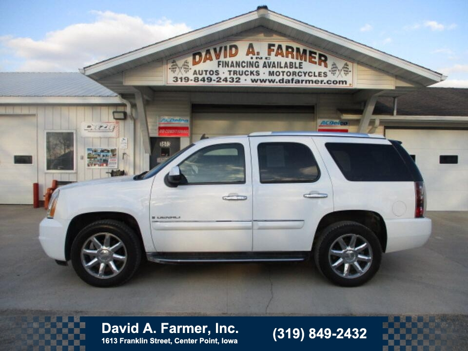 2007 GMC Yukon Denali AWD**Navigation/DVD/Sunroof/Leather**  - 4914  - David A. Farmer, Inc.
