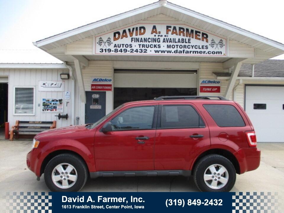 2010 Ford Escape XLT 4 Door 4x4**2 Owner/Sharp**  - 5068  - David A. Farmer, Inc.