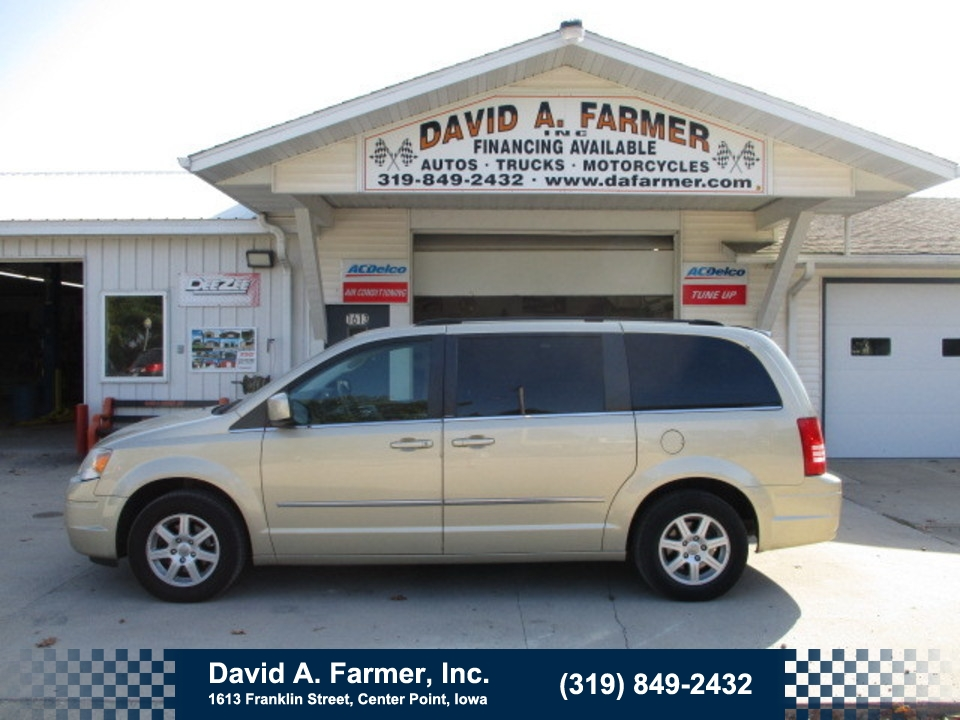2010 Chrysler Town & Country Touring**Low Miles**  - 4787  - David A. Farmer, Inc.