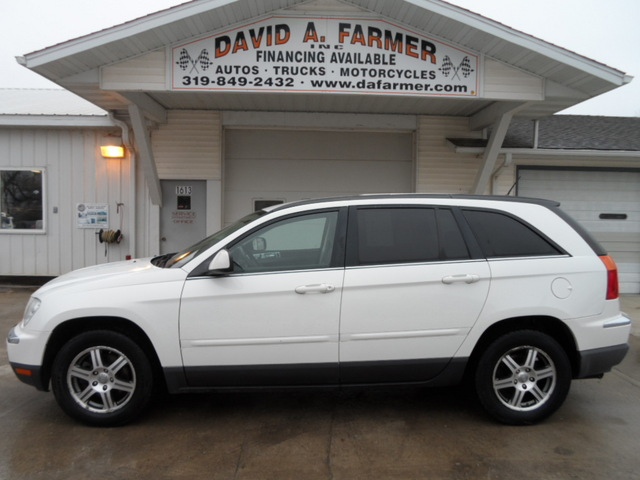 2007 Chrysler Pacifica Touring 4 Door With Third Row Seat Stock 3929 Center Point Ia 52213