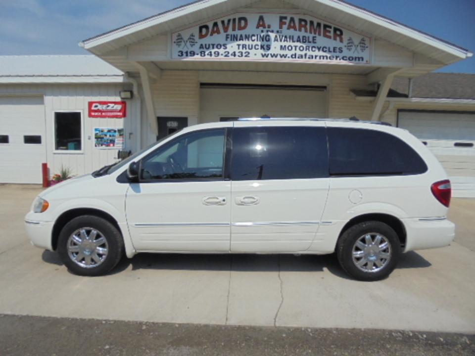 2007 Chrysler Town & Country  - David A. Farmer, Inc.