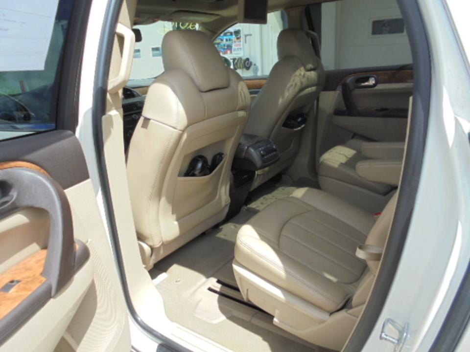 2010 Buick Enclave  - David A. Farmer, Inc.