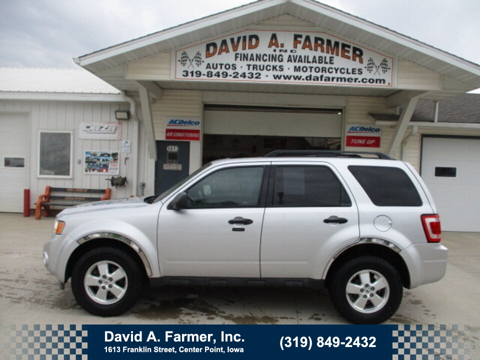 2012 Ford Escape XLT 4 Door 4X4**Low Miles/86K/Sunroof**  - 4946  - David A. Farmer, Inc.