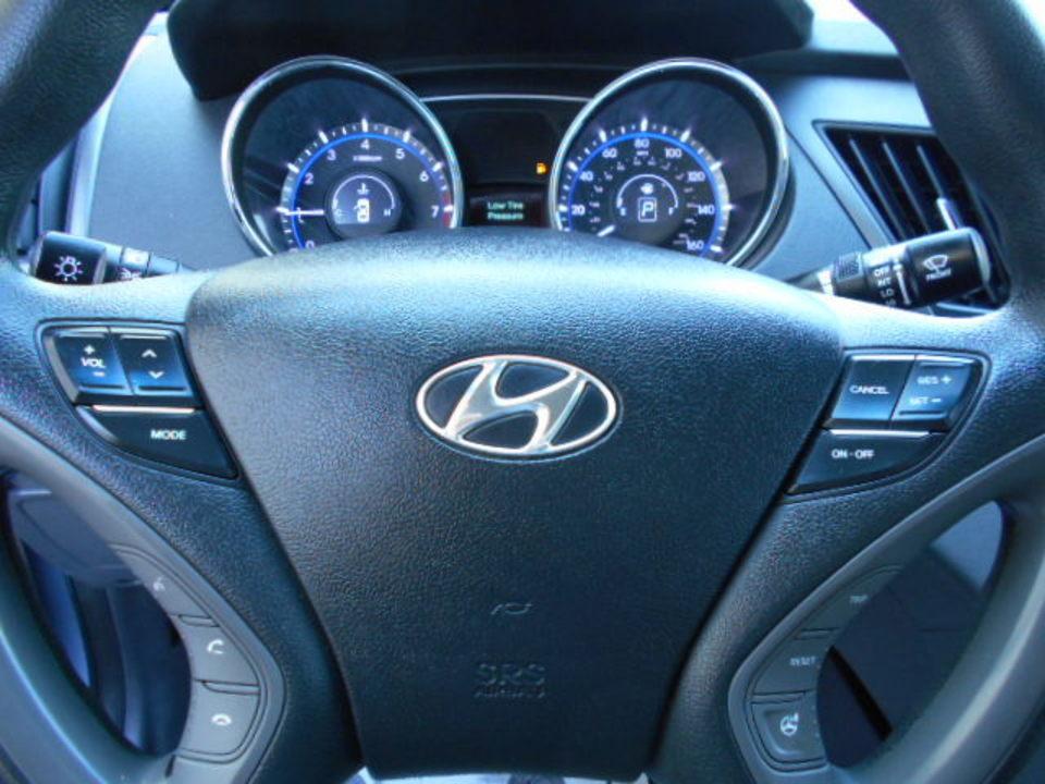 2014 Hyundai Sonata  - Corona Motors