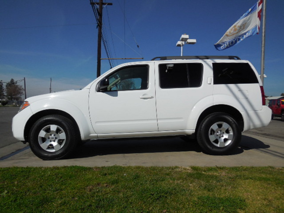 2011 Nissan Pathfinder  - Corona Motors