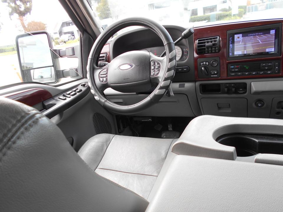 2006 Ford F-350  - Corona Motors