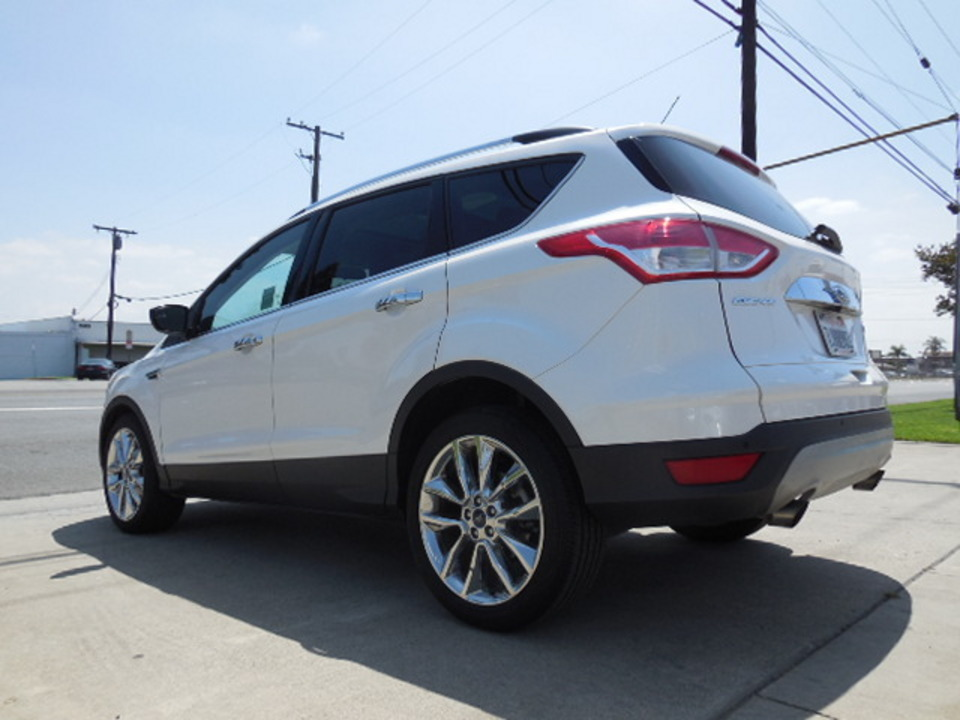 2015 Ford Escape  - Corona Motors