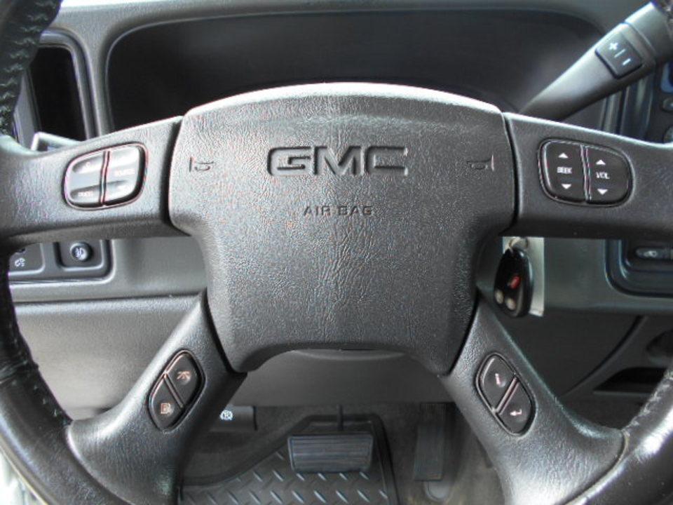 2006 GMC Sierra 2500HD  - Corona Motors