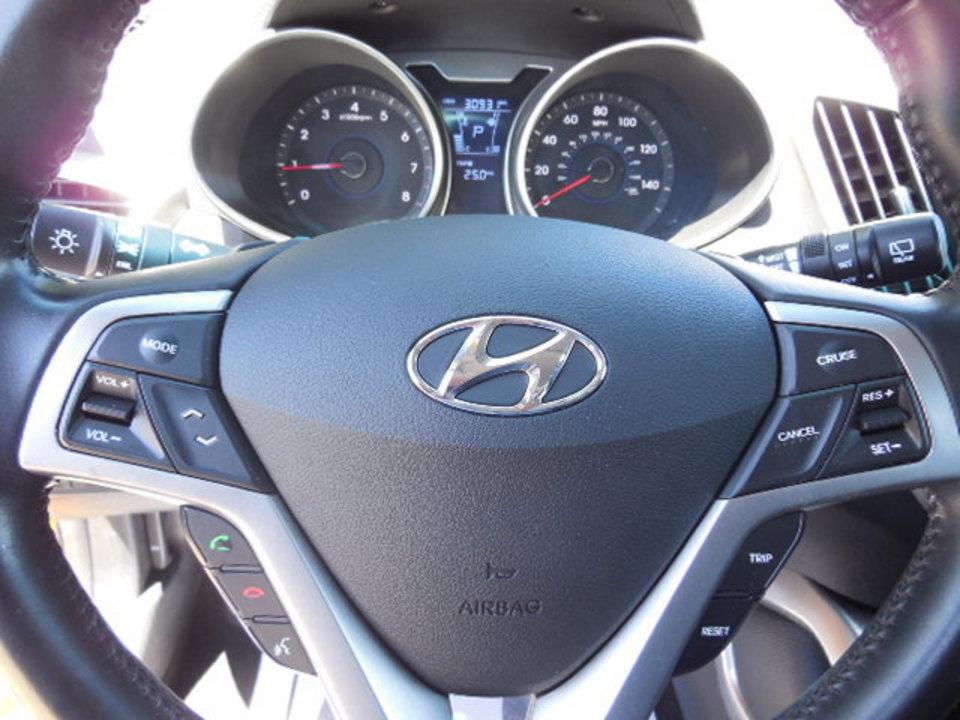 2015 Hyundai Veloster  - Corona Motors