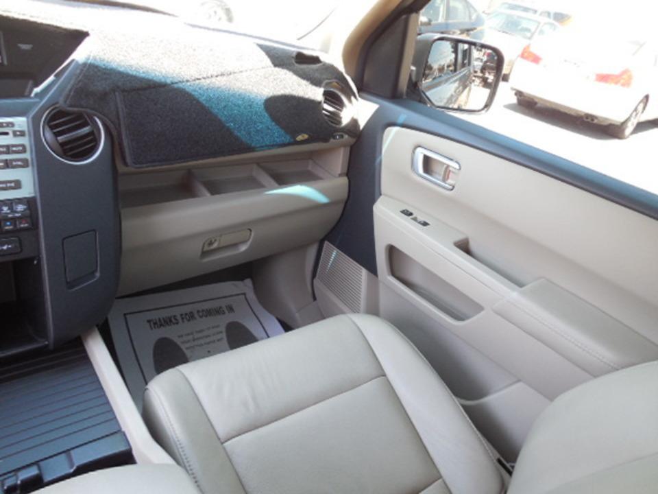 2010 Honda Pilot  - Corona Motors