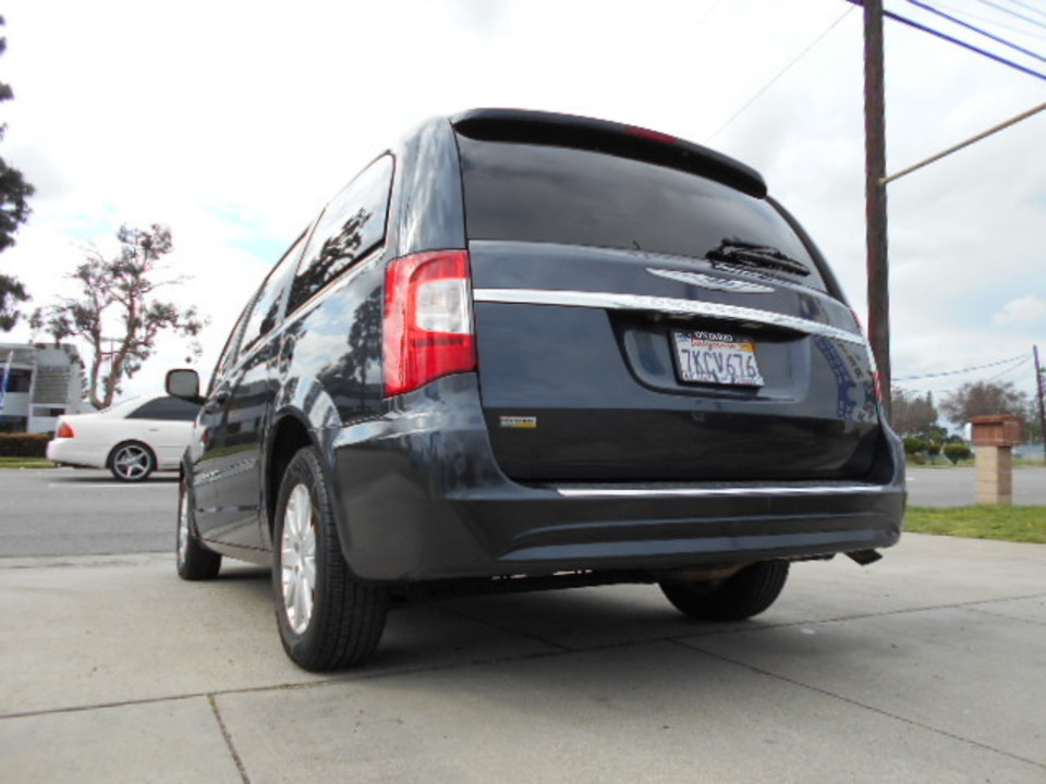 2014 Chrysler Town & Country  - Corona Motors
