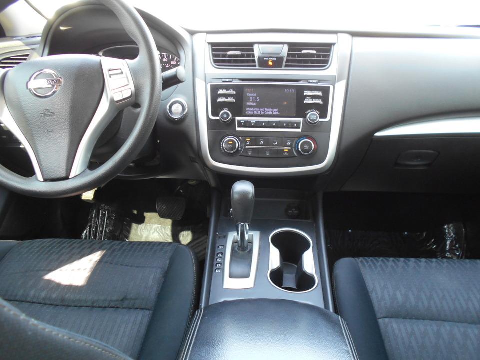 2017 Nissan Altima  - Corona Motors