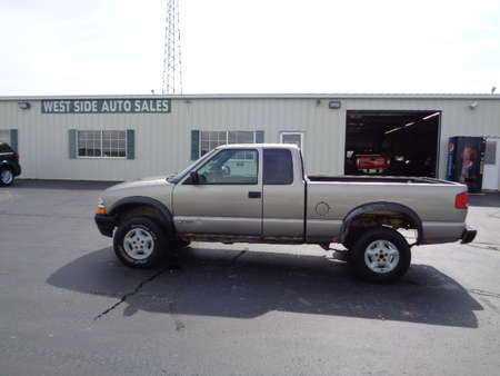 2001 Chevrolet S10 Extended Cab LS 4x4 for Sale  - 523  - West Side Auto Sales
