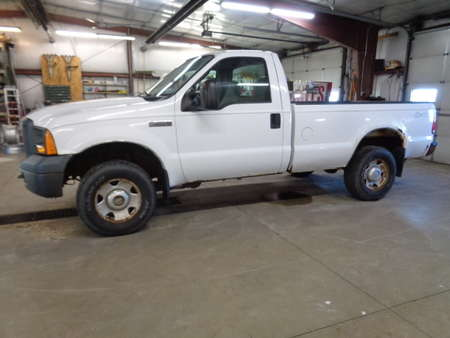2005 Ford F-250 XL Regular Cab 4x4 for Sale  - 731  - West Side Auto Sales