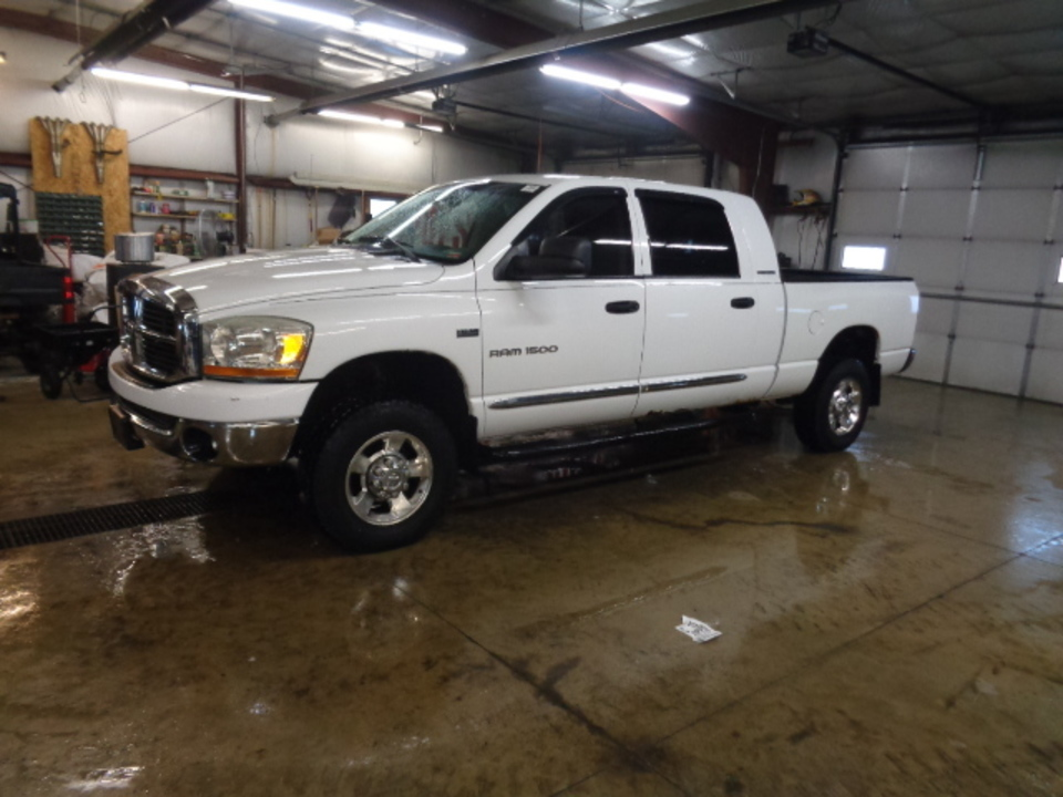 2006 Dodge Ram 1500 Mega cab SLT 4x4  - 744  - West Side Auto Sales