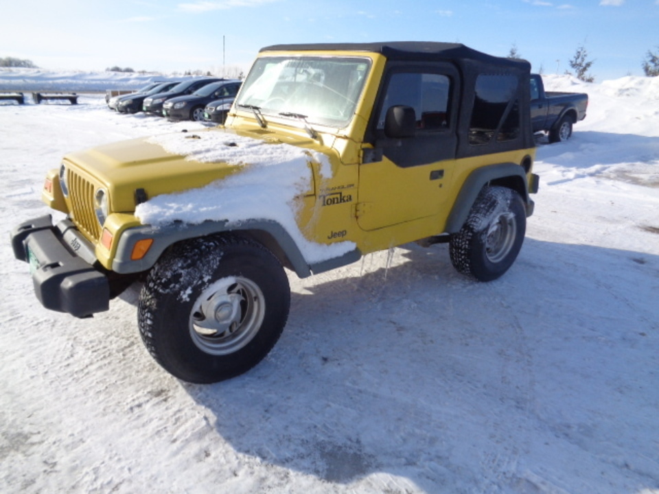 2000 Jeep Wrangler 4WD  - 628  - West Side Auto Sales