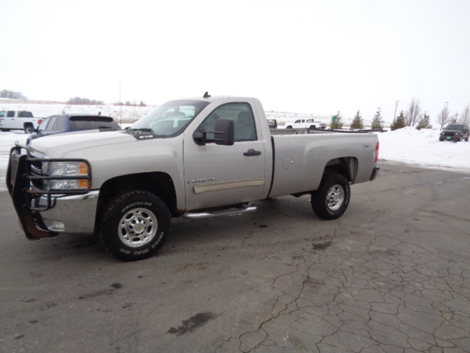 2009 Chevrolet Silverado 2500 HD LT Regular Cab 4x4  - 747  - West Side Auto Sales