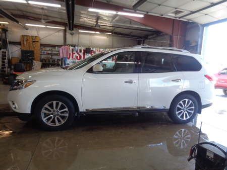 2013 Nissan Pathfinder SL 4WD for Sale  - 687  - West Side Auto Sales