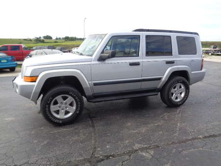 2006 Jeep Commander SUV 4WD for Sale  - 701  - West Side Auto Sales