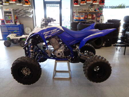 2018 Yamaha Raptor 700R.  Low hours. Like New. Blue and White. for Sale  - 2841  - Auto Drive Inc.