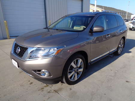 2014 Nissan Pathfinder Utility Platinum Edition 4x4 full loaded. for Sale  - 4575  - Auto Drive Inc.