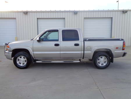 2004 GMC Sierra 1500 Crew Cab SLE 4x4 for Sale  - 9449  - Auto Drive Inc.