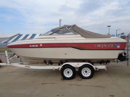 1995 Donzi 212 Medallion Two Owner. Excellent shape. New Outdrive for Sale  - 1495  - Auto Drive Inc.