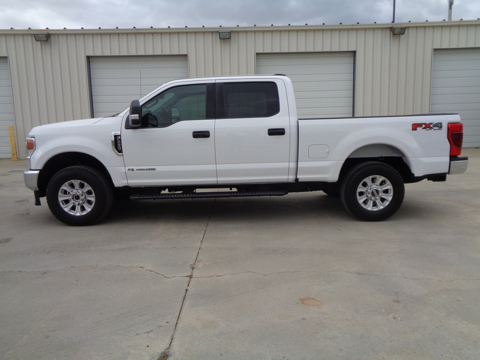 2020 Ford F-250 Super Duty Crew Cab Fx4 6.7 Diesel XLT 1 Owner  - 3462  - Auto Drive Inc.