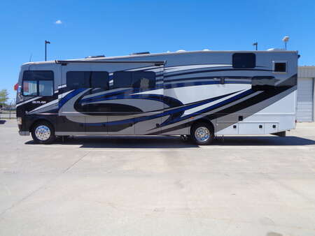2016 Thor Outlaw 3 TV's, Fireplace, Toy Hauler. Super Slide. for Sale  - 6125  - Auto Drive Inc.