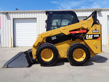 2017 Caterpillar 242D Premioum Package.  Fully loaded. Back up Camera for Sale  - 3559  - Auto Drive Inc.