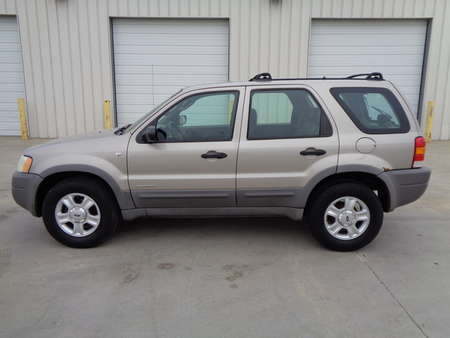 2001 Ford Escape XLT Utility 4 Door 4 Wheel Drive. for Sale  - 8743  - Auto Drive Inc.