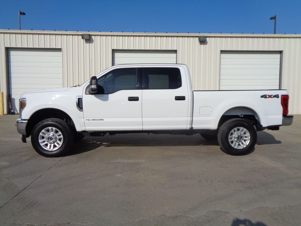 2019 Ford F-250 Super Duty Crew Cab 4x4 6.7 Diesel XLT 1 Owner  - 7820  - Auto Drive Inc.