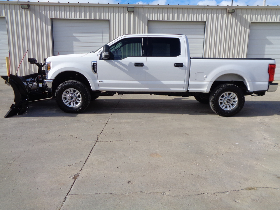 2019 Ford F-250 Gray cloth, Large Screen Backup camera Nice Truck  - 7834  - Auto Drive Inc.