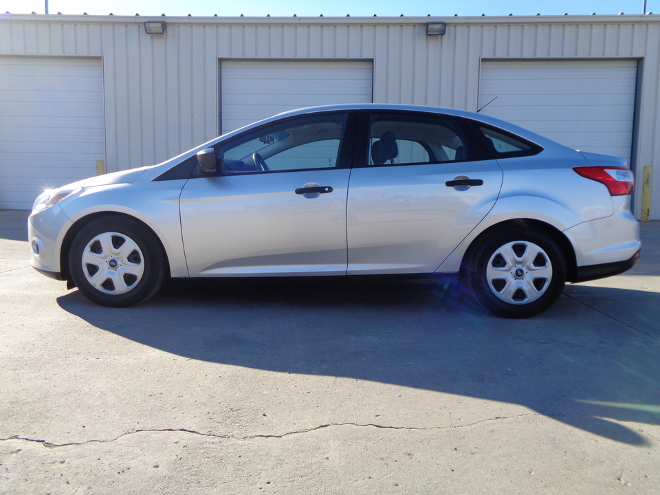 2014 Ford Focus Automatic Transmission, Gray Cloth, 4 Door.  - 7772  - Auto Drive Inc.