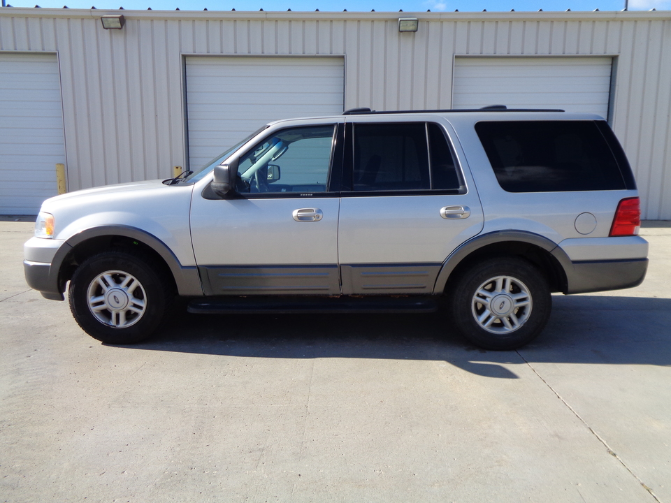 2004 Ford Expedition 4 Door, Gray cloth  - 7977  - Auto Drive Inc.