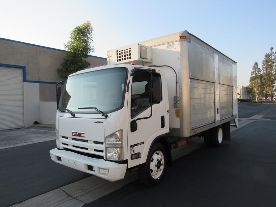 2009 GMC W4500 HD GAS REG IBT PWL LSD TILT CAB 150  - 2113  - AZ Motors