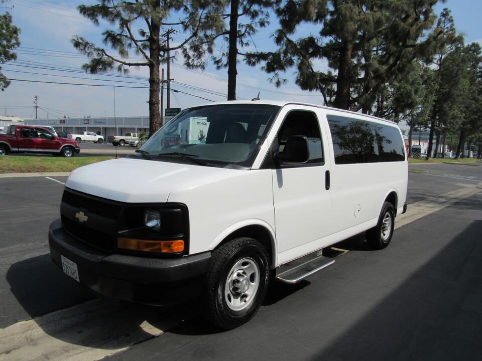 2015 Chevrolet Express Passenger LS  - 5033  - AZ Motors