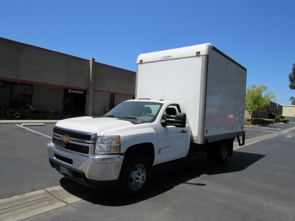 2013 Chevrolet Silverado 3500HD Work Truck box truck with a lift (12x8x8)  - 6084  - AZ Motors