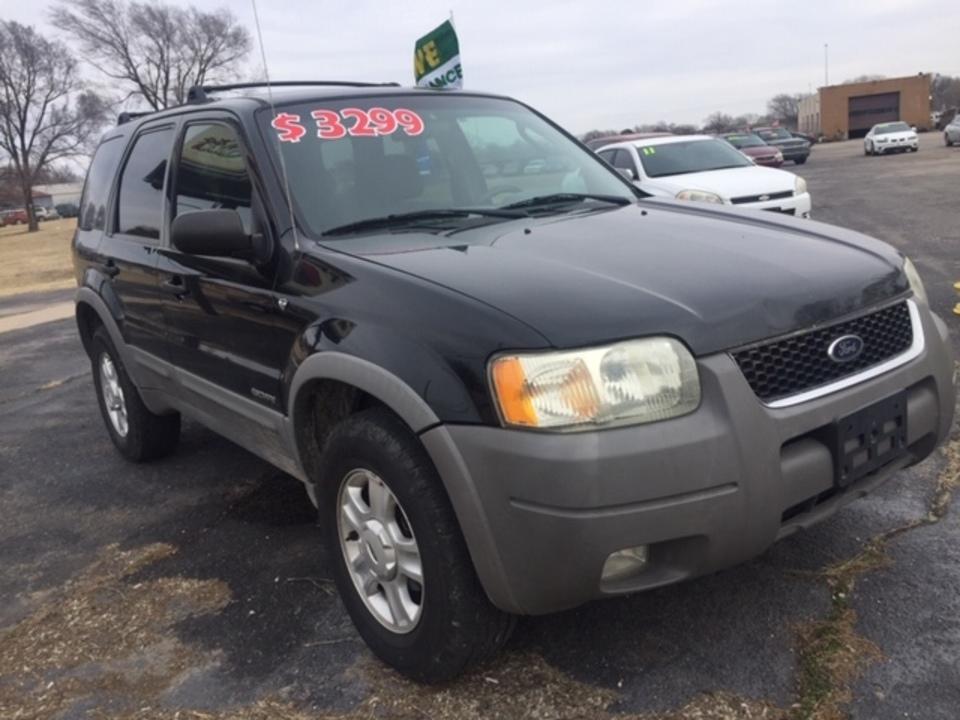 2003 Ford Escape  - Family Motors, Inc.