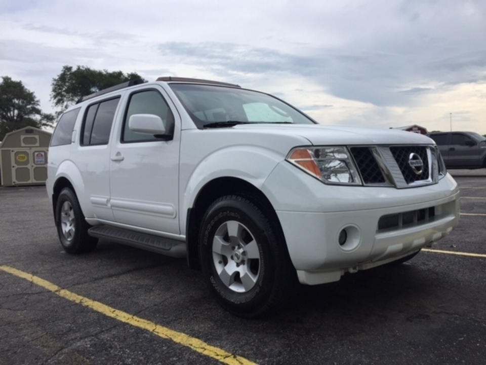 2007 Nissan Pathfinder  - Family Motors, Inc.